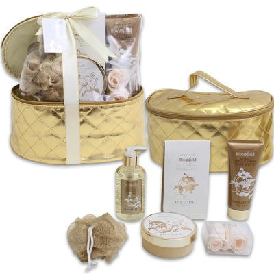 Golden Vanilla Embers Bath Set in Cosmetic Bag