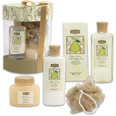 Paper Box Anjou Pear and Wild Peppermint Bath Set